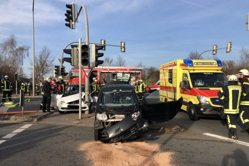 Read more about the article Verkehrsunfall mit eingeklemmter Person